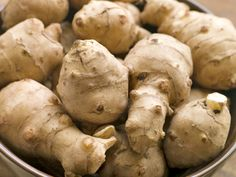 Julie Daniluk gives us the surprising facts surrounding Jerusalem artichokes (sunchokes) and their many nutrition benefits. Get a hearty stew recipe too! Growing Jerusalem Artichoke, Jerusalem Artichoke Recipe, Hearty Stew Recipe, Rutabaga, Venison Stew, Artichoke Recipes, Fruits And Veggies, Root Vegetables, Smoothie Recipes