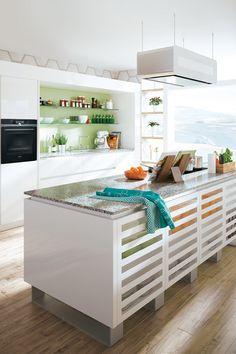 Durch die glatten Oberflächen wirken moderne Küchen immer sehr elegant und luxuriös. Dieser Look wird durch die Kombination mit edlen Metallen, wie Bronze, gut unterstützt und verleiht der Küche nochmal einen neuen Look. Auch das Trendmaterial Beton passt hervorragend zum modernen Zeitgeist der Küchengestaltung. Loft, Bronze, Elegant, Bed, Kitchen, Table, Design, Furniture, Home Decor