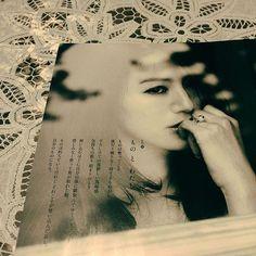 【hayashitokeiho】さんのInstagramの写真をピンしています。《【林外伝】今日も一日お疲れ様です🍻 私ごとですが#very#9月号 を持ちまして#井川遥 さんが表紙を飾られるのは最後となってしまいました…小生も永久保存版として大切にしてゆきます…#いつも#いつの日も#いつまでも 陰に日向に応援してまいります😭❤️ #お疲れ様です#感謝#憧れ#永遠#ミューズ#笑顔#真剣な眼差し#美#美しい#横顔#内面#輝き#オーラ#fashion#stayle#大人の女性#お手本#コーデ#三重県#津市#林#親父#時計屋#番外編》