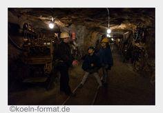 **Blitzlichter** Das Besucherbergwerk Markus-Röhling-Stolln im Erzgebirge vermittelt auch Kindern spannende Einblicke in das Leben und Arbeiten unter Tage. Alle Infos hier.