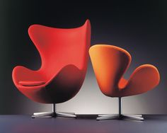 The stylish Egg Chair Loungechair Fabric was created by Arne Jacobsen for the Danish manufacturer Fritz Hansen.Arne Jacobsen was a prominent architect and furni Contemporary Living Room Furniture, Danish Furniture, Contemporary Chairs, Art Furniture, Modern Bedroom, Modern Furniture, Furniture Design, Modern Chairs, Funky Chairs