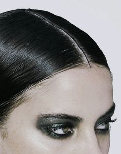 Runway eyes at Chanel Spring 2011, Pairs. TopShelfClothes.com