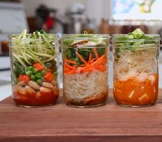 5 Recipes for Homemade Soup in a Mason Jar Mason Jar Meals, Mason Jars, Pots Mason, Kale Soup, Soup And Salad, Jar Salad, How To Cook Shrimp, How To Cook Chicken, Jars