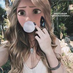 Make-up Aspen Mansfield Goth Disney, Disney Art, Elsa, Real Rapunzel, Princesse Disney Swag, Aspen Mansfield, Modern Disney Characters, Pin Up, New Disney Princesses