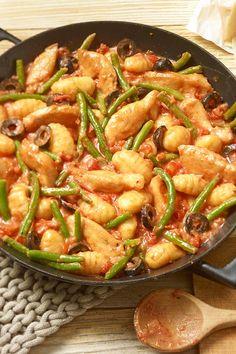 Gnocchi-Rosmarin-Pfanne mit Prinzessbohnen ist ein schnelles Pfannengericht, das dir in nur 30 Minuten gelingt. Dazu schmeckt ein Salat :) #gnocchi #bohnen