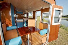 Camper/housetruck with removable cabin shell. Made in The Netherlands (pinned by http://haw-creek.com/shop/)