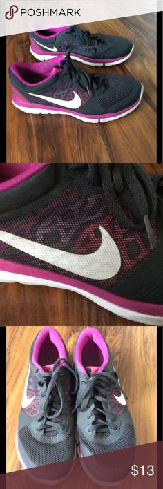 Nike running shoes These shoes are in very good condition. Great for working out. Nike Shoes Athletic Shoes
