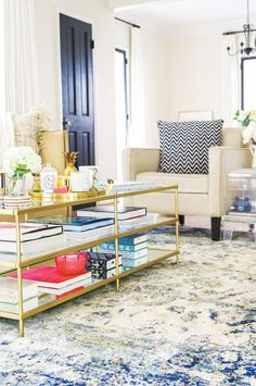 These 8 Spaces All Have One Gorgeous Thing in Common via @mydomaine Anastasia rug https://www.jossandmain.com/event.php?eventid=22767.html