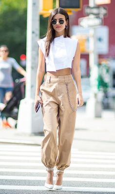 Summer Fashion Trends You Must Try In 2019 - Page 2 of 4 - Stylish Bunny Fashion Mode, Look Fashion, Girl Fashion, Fashion Outfits, Fast Fashion, Cheap Fashion, 2020 Fashion Trends, Spring Fashion Trends, Fashion Stores