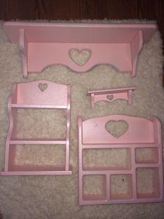 Thrift store shelves + pink and glitter spray paint :) TioTrash.Com #fairyKeiRoom
