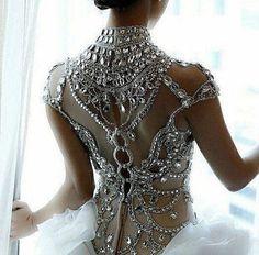 Stunning Wedding Dresses, Beautiful Gowns, Beautiful Outfits, Beautiful Bride, Bridal Gowns, Wedding Gowns, Bling Wedding, Party Gowns, Luxury Wedding