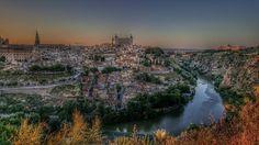 Buenas noches igers! Que noche tan buena en Toledo.@daniparra_photo @lidiasalado  #somosinstagramers  #igersspain  #igerstoledo by igerstoledo