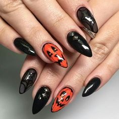 Halloween Nails Designs That Are Spookily Stylish – Woman's World Halloween Nägel Designs, die gruselig stilvoll sind – Woman's World Halloween Nail Colors, Halloween Acrylic Nails, Cute Halloween Nails, Halloween Nail Designs, Halloween Art, Chic Halloween, Women Halloween, Happy Halloween, Nail Art Cute