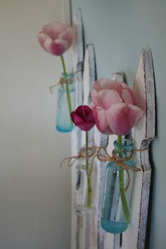 for garden area, picket fence with bottles~so pretty