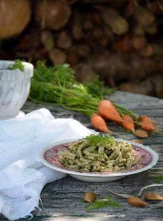 Essenza di Vaniglia: Casarecce di solina con pesto di foglie di carota