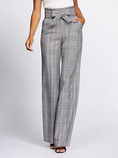 Tall Plaid Wide-Leg Pant - Gabrielle Union Collection - New York & Company Fashion Mode, Work Fashion, Fashion Pants, Hijab Fashion, Fashion Outfits, Fashion Design, Trendy Fashion, Womens Fashion, Mode Outfits