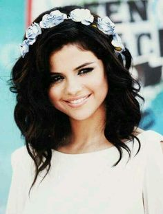 Selena Gomez Flower Crown <3