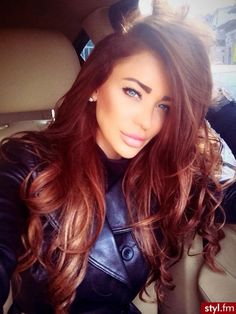 "I love this hair color!...i""m not sure what it is, I'm guessing brownish auburn....idk, but i definitely want this!"