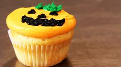How to Decorate Cupcakes for Halloween | Cupcake Tutorials