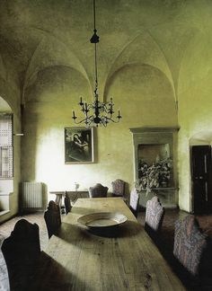 If you are having difficulty making a decision about a home decorating theme, tuscan style is a great home decorating idea. Many homeowners are attracted to the tuscan style because it combines sub… Tuscan Design, Tuscan Style, Rustic Design, Toscana Italia, Italian Home, Italian Villa, Under The Tuscan Sun, Tuscan Decorating, Interior Decorating