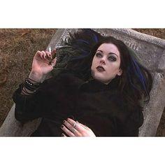 John's Horror Corner: Book of Shadows: Blair Witch 2 another great, low budget movie that was unfairly judged. Black Grunge, Pastel Grunge, Grunge Goth, Punk Goth, Grunge Hair, 80s Goth, Visual Kei, Steam Punk, Hippie Rock