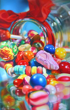 I like the way that she has just tipped over a jar of sweets and drawn them. This painting has a realistic effect and nostalgia.