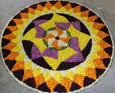 Diwali Rangoli Designs Flower Floor Decoration Wallpapers Diwali Rangoli Pattern - Diwali - Zimbio Indian Rangoli Designs, Rangoli Designs Latest, Rangoli Designs Flower, Rangoli Designs With Dots, Flower Rangoli, Beautiful Rangoli Designs, Mehndi Designs, Beautiful Mehndi, Rangoli Colours