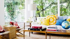 13 Celebrities Who Know How to Use Color via @domainehome