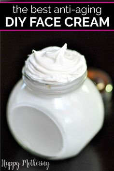 DIY Frankincense Whipped Face Cream Do you deal with dry or sensitive skin? This all natural DIY Frankincense Whipped Face Cream is super nourishing and it has great anti aging skin qualities for mature skin. Creme Anti Age, Anti Aging Cream, Anti Aging Skin Care, Anti Aging Tips, Homemade Skin Care, Homemade Beauty Products, Diy Skin Care, Homemade Face Moisturizer, Homemade Face Lotion