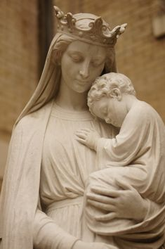 Mother Mary and Jesus statue, St. Blessed Mother Mary, Divine Mother, Blessed Virgin Mary, Catholic Art, Religious Art, Jungfrau Maria Statue, Virgin Mary Statue, Art Ancien, Mary And Jesus