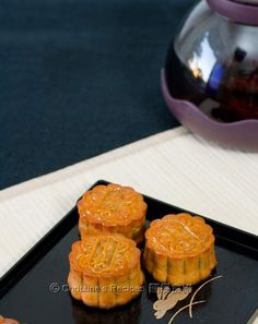 Traditional Mooncakes (廣式月餅)
