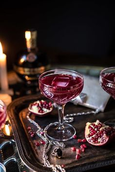 Halloween Cocktails, Winter Cocktails, Easy Cocktails, Cocktail Drinks, Vodka Cocktails, Pomegranate Cocktails, Purple Cocktails, Frozen Cocktails, Craft Cocktails