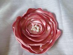 Pink Silk Flower Clip, Bridal Hair clip, pearl beaded, pink #etsy  #etsyretwt