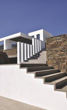 Un escalier sculpture et au style contemporain