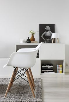 All white interior | Eames Molded Plastic armchair with dowel base | My Scandinavian Home (myscandinavianhome.blogspot.com)
