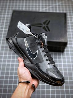 Latest Nike Shoes, Design Nike, Air Max Sneakers, Sneakers Nike, Nike Zoom Kobe, Kobe Shoes, Kobe Bryant, Nike Air Max, Athlete