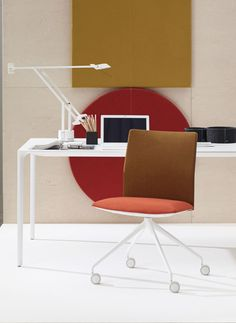 Arper / Kinesit chair with bicolor upholstery by lievore altherr molina