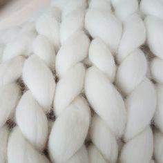 JOETJZ plaids. XXL knit. Cute handmade plaids from 100 % merinowol. Info: joetzj@outlouk.com