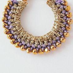 crochet earrings Textile Jewelry, Boho Jewelry, Jewelry Crafts, Beaded Jewelry, Jewelery, Crochet Accessories, Handmade Accessories, Diy Earrings, Crochet Earrings