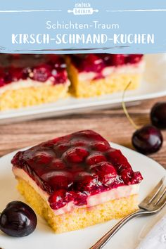 Cherry sour cream cake- This sheet cake has everything a good cake needs – juicy cherries and a delicious pudding cream on an airy floor. This sheet cake has everything a good cake needs – juicy cherries and a delicious pudding cream on an airy floor. Baking Recipes, Keto Recipes, Dessert Recipes, Sour Cream Cake, Sheet Cake Recipes, Cherry Cake, Keto Food List, Apple Desserts, Food Cakes