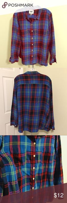 Plaid Flannel Button-Down Shirt 100% cotton lightweight plaid flannel. Minor pilling under arm (please refer to photos). Gotta have your fall flannels—add this one to your collection! This top has outer breast pockets on each side, which gives it a 'different' detail than most other flannel button-downs. Old Navy Tops