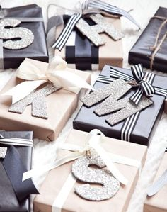 21 Christmas Gift Wrapping Ideas That Make Anyone Look Like a Decorating Professional - - Creative gift wrapping is that special final touch your presents need this year, and these easy crafting ideas help you get it done without the stress. Christmas Gift Wrapping, Diy Christmas Gifts, Holiday Gifts, Christmas Crafts, Christmas Decorations, Christmas Christmas, Christmas Ideas, Christmas Tables, Personalized Christmas Gifts