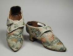 silk shoes late 1700's