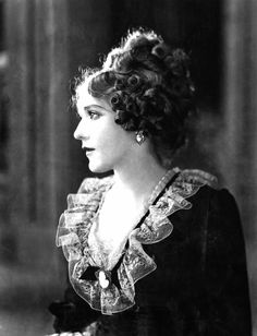 Mary Pickford Mary Pickford, Old Hollywood, Actors, Portrait, Film, Lady, Faces, Dresses, Fashion