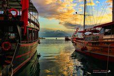 土耳其南部地中海黃昏美景與船艇@安塔利亞Antalya。 ©Sheriff Serdar