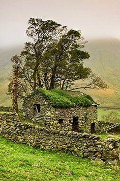 Stone Barn, Yorkshire Dales, Englandby Gary Kenyon