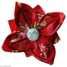 ribbon flowers tutorials how to make * ribbon flowers tutorials Origami Flowers, Diy Flowers, Fabric Flowers, Flower Ideas, Coin Couture, Couture Sewing, Fleurs Kanzashi, Ribbon Flower Tutorial, Fabric Origami