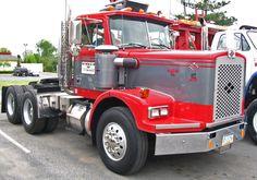 Classic diamond reo truck #heavyhauling