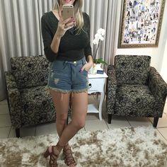 Cropped com bojo  shorts jeans.  Compre pelo site http://ift.tt/PYA077 ou mande um whats 47 99531716.
