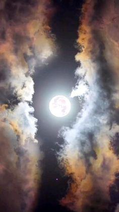 Night Sky Photos, Night Scenery, Aesthetic Photography Nature, Moon Photography, Portrait Photography, Night Sky Wallpaper, Scenery Wallpaper, Night Sky Moon, Night Skies